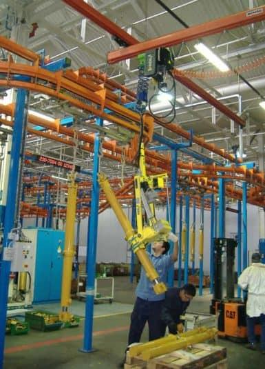 INDEVA permette, grazie alla sua tecnologia all'avanguardia, di aumentare la produttività mantenendone costante il livello durante l'intero turno di lavoro ed, allo stesso tempo, permette una maggiore precisione nel posizionamento delle bombole.