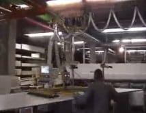 Intelligente Manipulatoren für verschiedene Arten von schweren und großen Platten. Holz, Glas und Metall, Manipulatoren sind für jede Oberfläche geeignet.