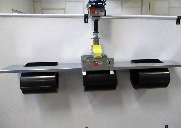 Movimentazione e posizionamento di dispositivi elettromeccanici