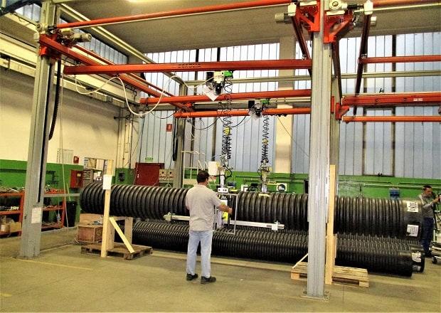 manipolatore a rotaia per tubi grandi e pesanti
