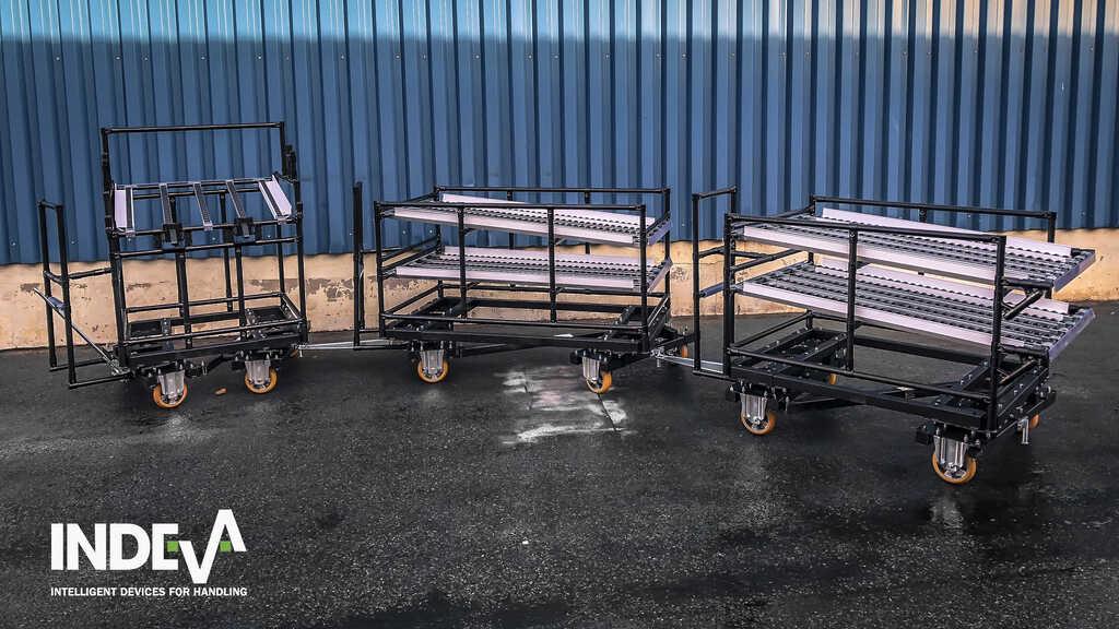 Ideali per la movimentazione in molti tipi di ambiente ed adattabili a qualsivoglia forma da trasportare, i carrelli modulari a traino di INDEVA® possono essere facilmente collegati a veicoli a guida automatica